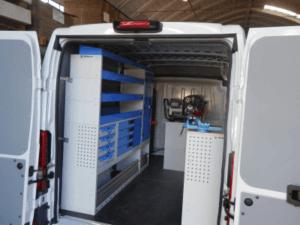Allestimento professionale per il tuo fiat ducato con le scaffalature per furgoni in acciaio resistenti e certificate CSI e TUV