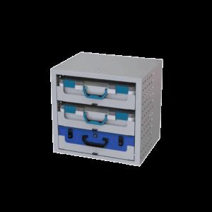 cassettiera con 3 valigette in plastica e una in metallo