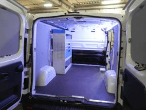 Allestimento fiat talento L1H1 con pareti laterali di protezione e mobile Ti Car Tecnolam